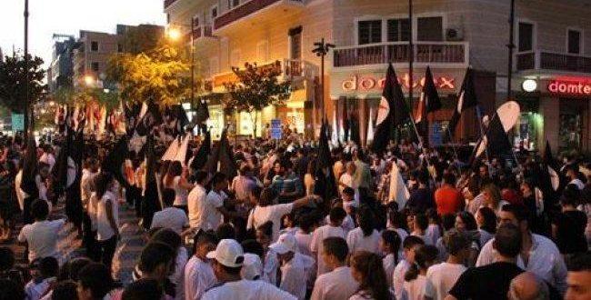 احتفالات فلسطينيين في بيروت / المنتصف