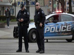 الشرطة الأمريكية/المنتصف