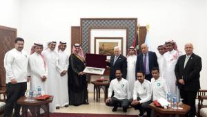 عباس يستقبل المنتخب السعودي/المنتصف