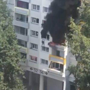 شقة تحترق فرنسا -المنتصف