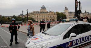 الشرطة الفرنسية -المنتصف