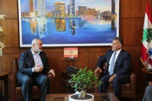 لقاء هنية مع مدير العام للأمن اللبناني-المنتصف