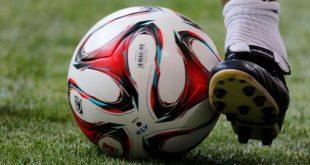 كرة قدم -المنتصف