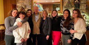 عائلة جو بايدن -المنتصف