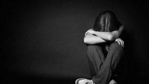 حزن وتوتر -المنتصف