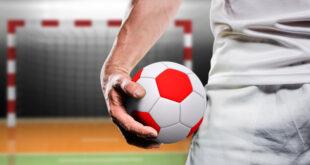 كرة اليد -المنتصف