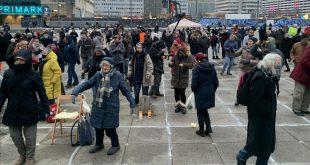 المانيا مظاهرات - المنتصف