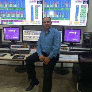 احمد الحميد -المنتصف